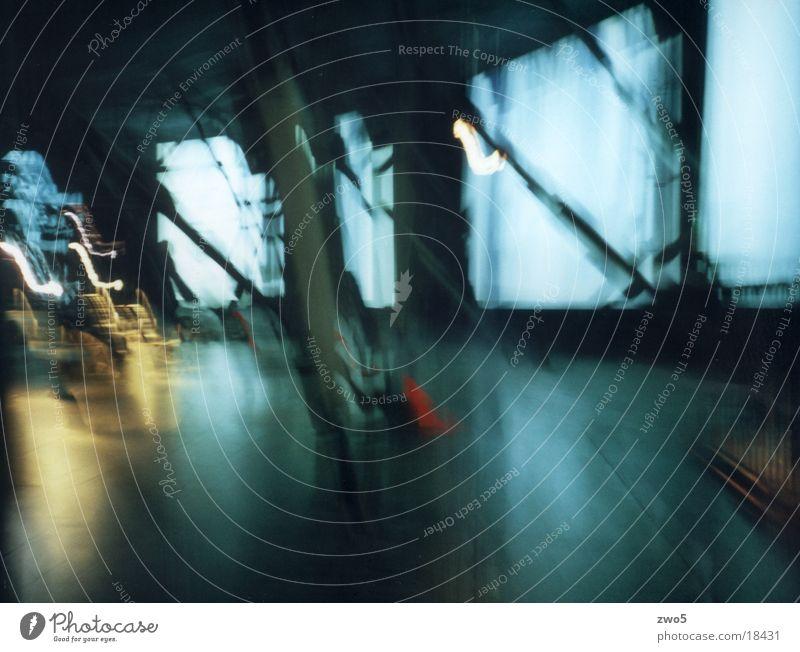 gasometer03 Gasometer Unschärfe Mensch Lomografie Dynamik