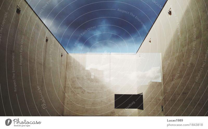 Perspektive in der Spiegelung elegant Stil Design Wohnung Traumhaus Himmel Wolken Gewitterwolken Münster Stadt Stadtzentrum Bauwerk Gebäude Architektur Mauer