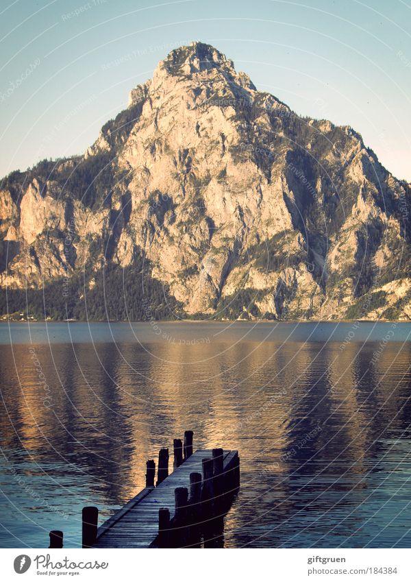 kopfüber Himmel Natur Wasser Ferien & Urlaub & Reisen Sommer Umwelt Landschaft Berge u. Gebirge See Felsen natürlich Ausflug Tourismus Klettern Gipfel Seeufer