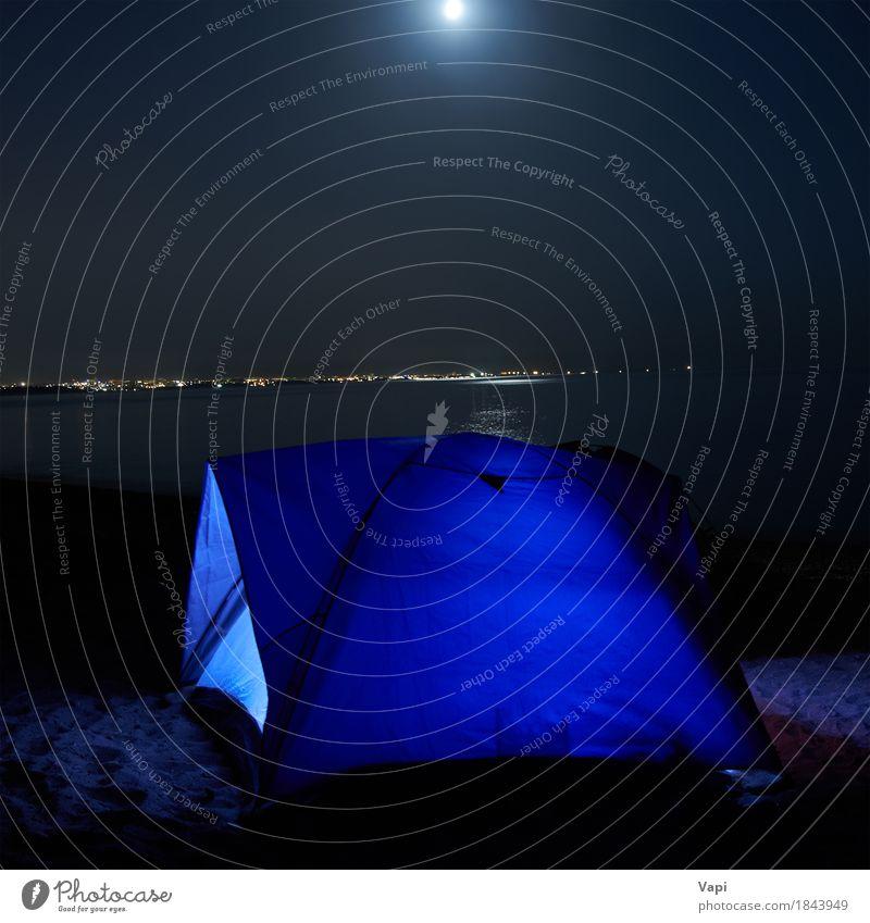 Blau beleuchtetes Zelt nachts am Strand Himmel Natur Ferien & Urlaub & Reisen blau Sommer Landschaft Erholung Wolken dunkel Berge u. Gebirge schwarz Sport Küste