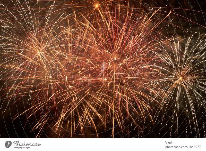 Rotes buntes Feiertagsfeuerwerk Himmel Weihnachten & Advent Farbe weiß rot Freude dunkel schwarz gelb Feste & Feiern Party orange rosa hell neu Veranstaltung