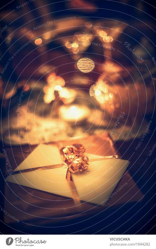 Weihnachtsgeschenk mit festlichem Licht und Bokeh Weihnachten & Advent Freude Winter Beleuchtung Innenarchitektur Lifestyle Stil Feste & Feiern Party Stimmung