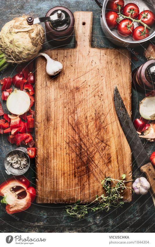 Kochen Hintergrund mit altem Schneidebrett Gesunde Ernährung Leben Hintergrundbild Stil Lebensmittel Design Wohnung Häusliches Leben retro Tisch