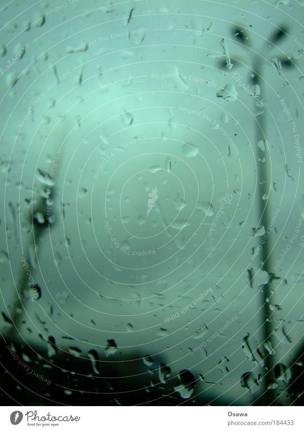 444 Himmel grün blau Wolken dunkel Berlin Fenster Traurigkeit Regen Glas Wetter Wassertropfen Tropfen Laterne Fensterscheibe Scheibe