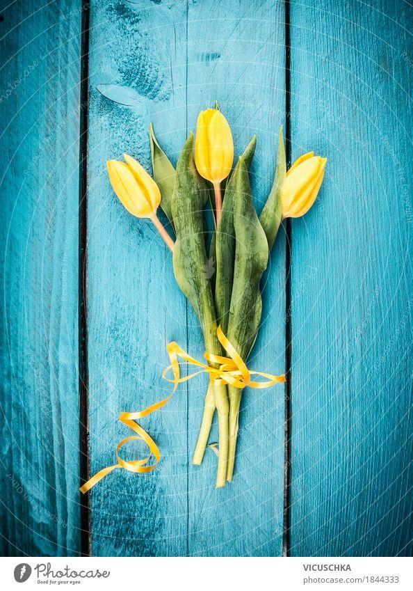 Tulpen Blumenstrauß Stil Design Feste & Feiern Valentinstag Muttertag Geburtstag Natur Pflanze Frühling Blühend Liebe gelb Stimmung Tradition blau Gratulation