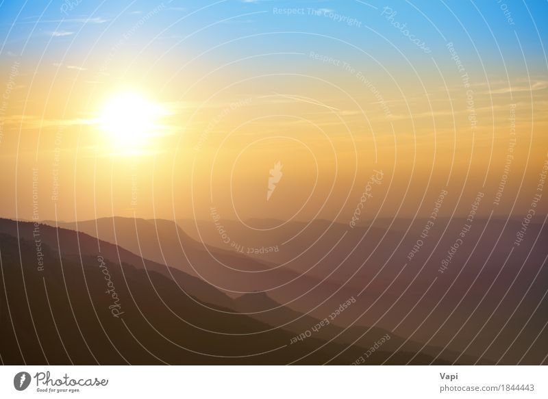Schöner Sonnenuntergang in den Bergen Himmel Natur Ferien & Urlaub & Reisen Himmel (Jenseits) blau Farbe Sommer schön weiß Landschaft rot Wolken
