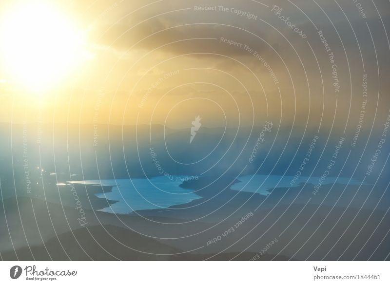 Sonnenuntergang über dem See Himmel Natur Ferien & Urlaub & Reisen Himmel (Jenseits) blau Farbe Sommer Wasser Landschaft rot Wolken Berge u. Gebirge Umwelt gelb