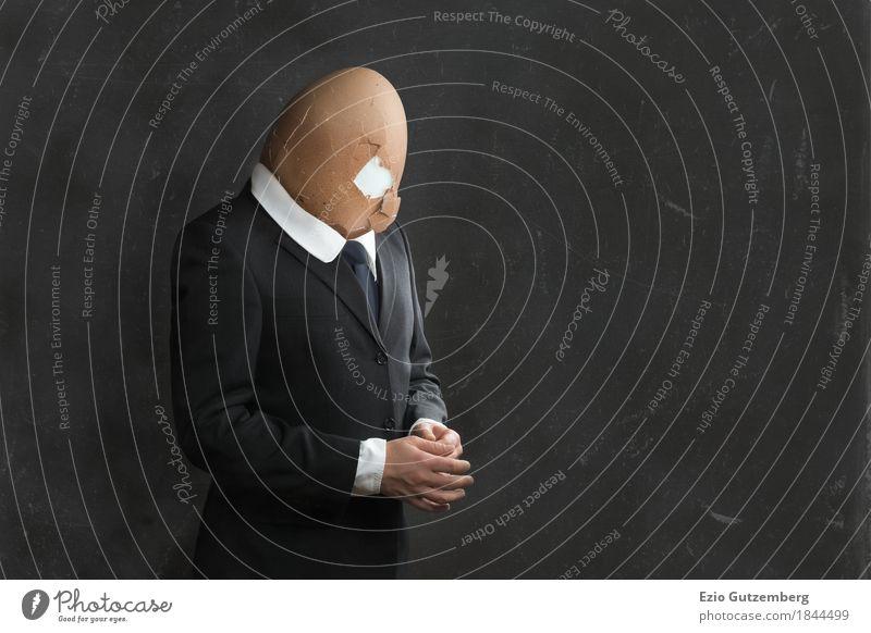 Geschäftsmann mit Eierkopf Mensch Mann Erwachsene Traurigkeit Business Kopf Arbeit & Erwerbstätigkeit maskulin Büro Körper Beruf Geldinstitut Stress Inspiration