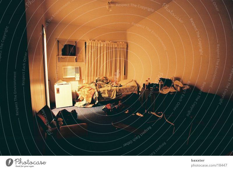 Eremit Raum Bett Motel Hotel Einsiedler Freizeit & Hobby Stillleben Einsamkeit