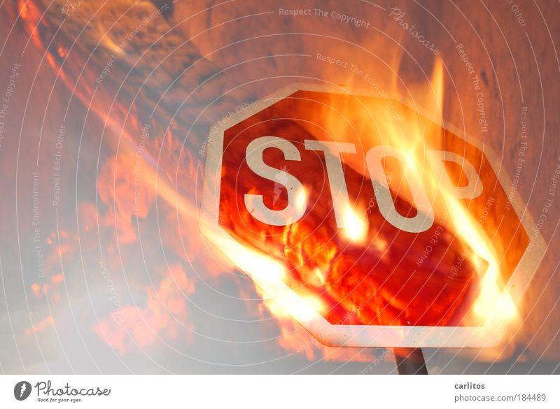STOP smo KING rot Metall Verkehr Elektrizität Schilder & Markierungen Energie Feuer Symbole & Metaphern Energiewirtschaft Zukunft Schriftzeichen bedrohlich heiß