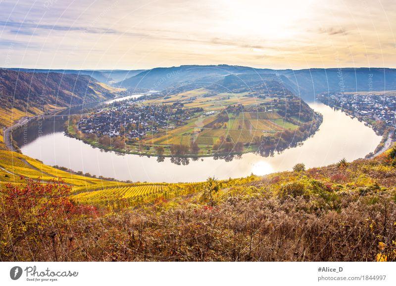 Moselschleife Herbstlandschaft Himmel Natur Ferien & Urlaub & Reisen Pflanze Wasser Landschaft Umwelt Deutschland Tourismus Feld Europa fantastisch Hügel Fluss