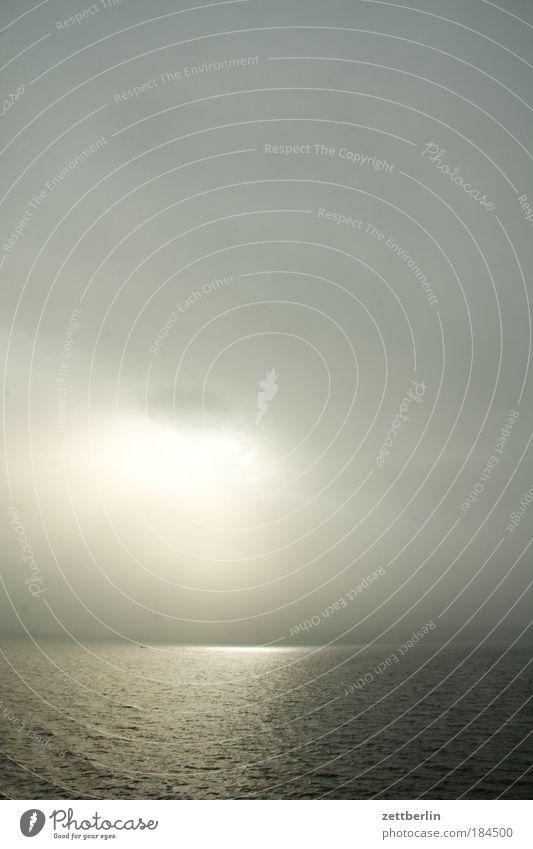 Angedeutete Sonne Wasser Meer Ostsee Küste Ferien & Urlaub & Reisen Freizeit & Hobby Mecklenburg-Vorpommern Insel Ferne Freiheit Himmel Wolken Sehnsucht