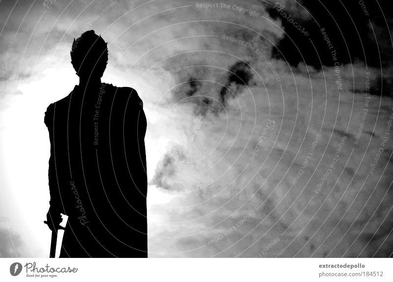Schwarzweißfoto Außenaufnahme Kontrast Silhouette Sonnenlicht Gegenlicht Blick nach oben Mensch maskulin Mann Erwachsene Haut Kopf Arme Hand 1 Skulptur Altstadt