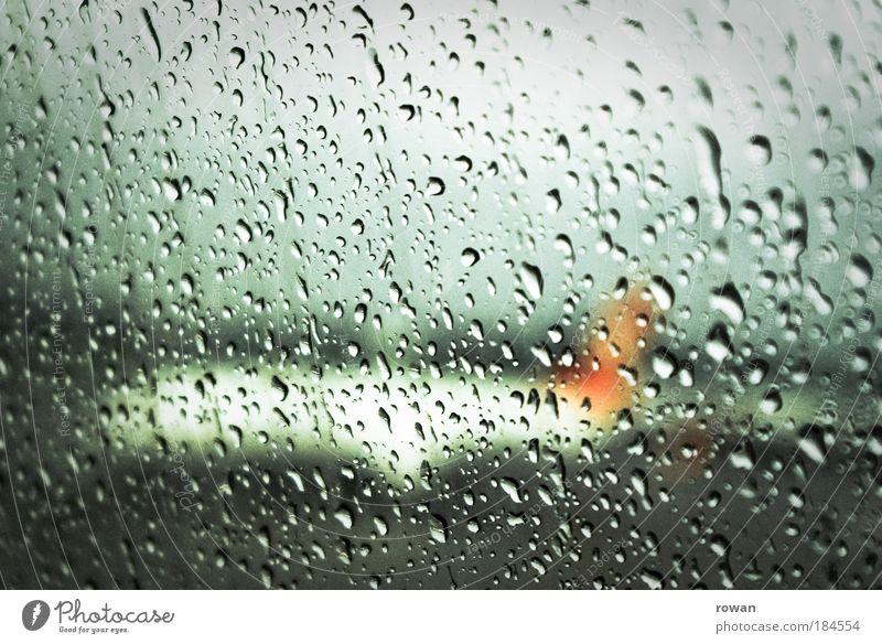 verregneter abschied Farbfoto Innenaufnahme Menschenleer Textfreiraum oben Tag Luftverkehr Flugzeug Passagierflugzeug Fluggerät Flughafen Flugplatz Landebahn