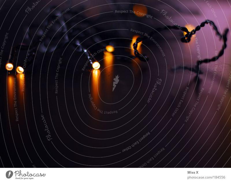 wenn du denkst es geht nicht mehr Weihnachten & Advent dunkel Beleuchtung klein Feste & Feiern Lampe hell glänzend leuchten Dekoration & Verzierung Energie Elektrizität Technik & Technologie Hoffnung Kitsch violett