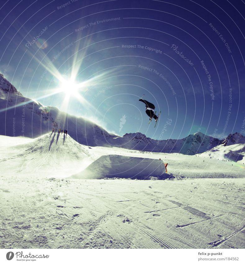 steezin Mensch Himmel Natur Jugendliche Sonne Winter Umwelt Sport Landschaft Berge u. Gebirge springen Wintersport Felsen maskulin Licht Fröhlichkeit