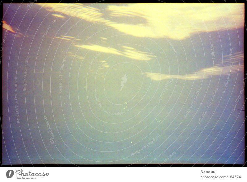 zwischen den Elementen Natur Wasser Ferien & Urlaub & Reisen Meer ruhig Luft Hintergrundbild Urelemente Reflexion & Spiegelung Korn analog Wasseroberfläche