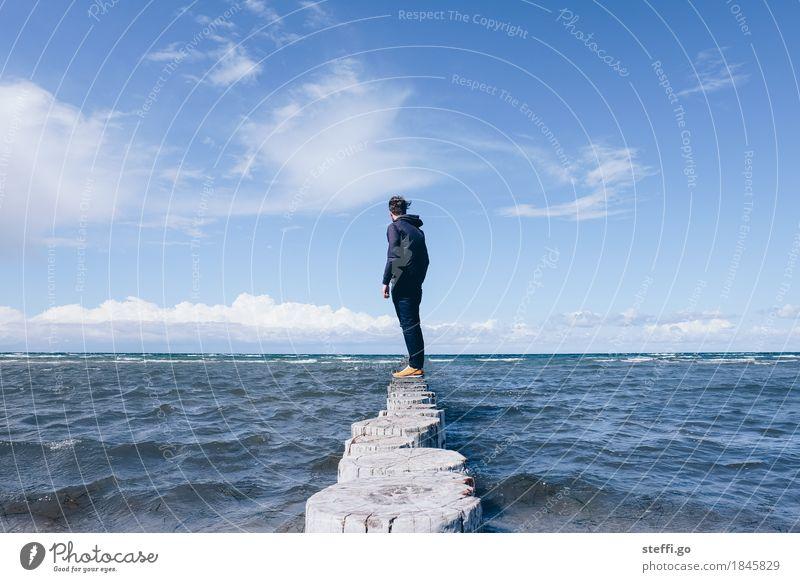 Fels in der Brandung Ferien & Urlaub & Reisen Tourismus Ausflug Abenteuer Ferne Freiheit Strand Meer Mensch maskulin Erwachsene Leben 1 Umwelt Natur Wellen