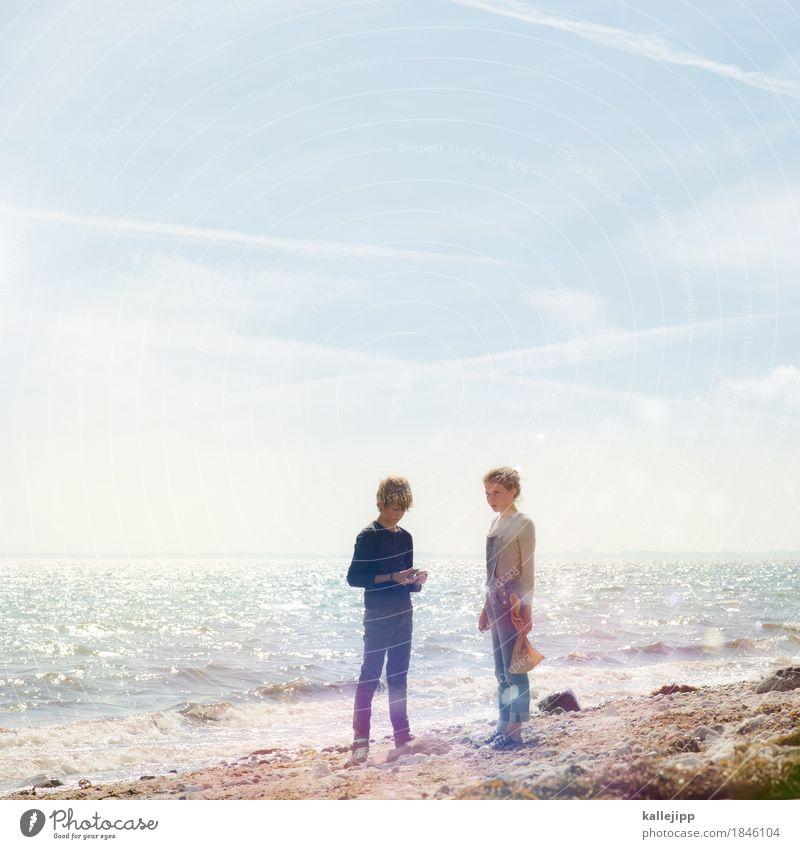 jäger und sammler Mensch Kind Mädchen Junge Geschwister Bruder Schwester Kindheit Leben 2 8-13 Jahre Umwelt Natur Landschaft Sand Luft Wasser Wolkenloser Himmel