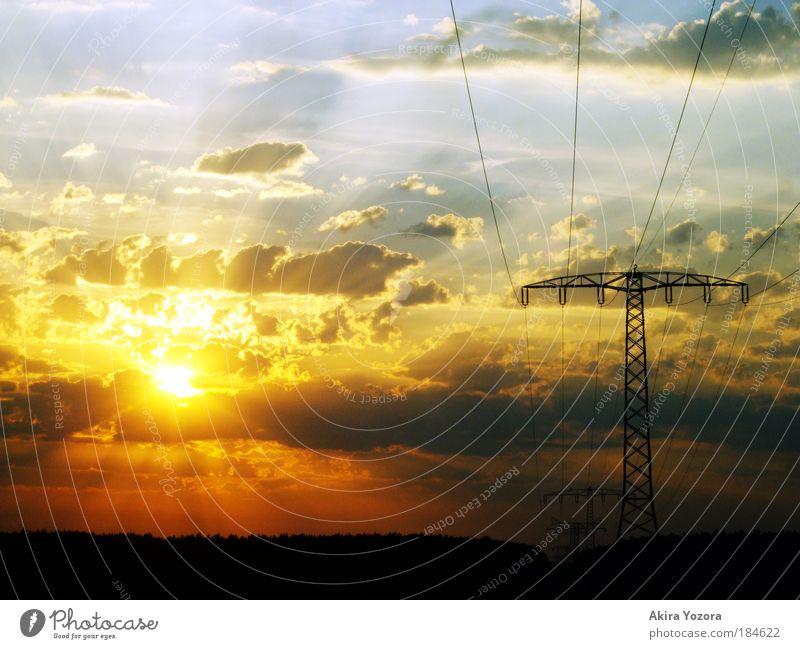 Light on this evening Himmel weiß Sonne blau rot schwarz Wolken gelb Erholung Gefühle Landschaft Kraft Feld Sonnenuntergang Sonnenaufgang Horizont