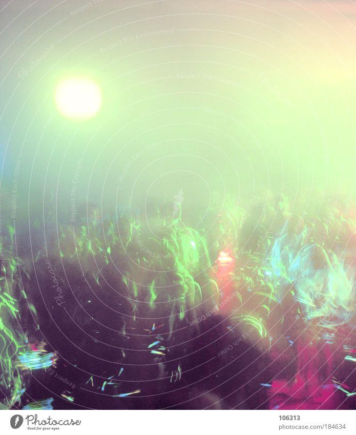 Fotonummer 140696 Mensch Sonne Menschengruppe Party träumen Musik Feste & Feiern Tanzen Lifestyle Disco hören Club Veranstaltung Rauschmittel atmen Anhäufung