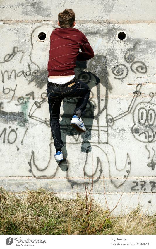 Die Wände hochgehen Mann Jugendliche Erwachsene Leben Wand Graffiti Freiheit Bewegung Wege & Pfade Mauer Stil träumen Beton Energie Erfolg Perspektive