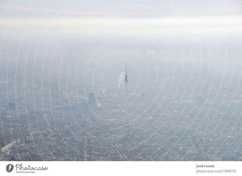 Irgendwie, Irgendwo, Irgendwann Himmel Stadt weiß Ferne grau Berlin klein Erde Horizont träumen Nebel Perspektive hoch Ausflug Unendlichkeit Fernweh