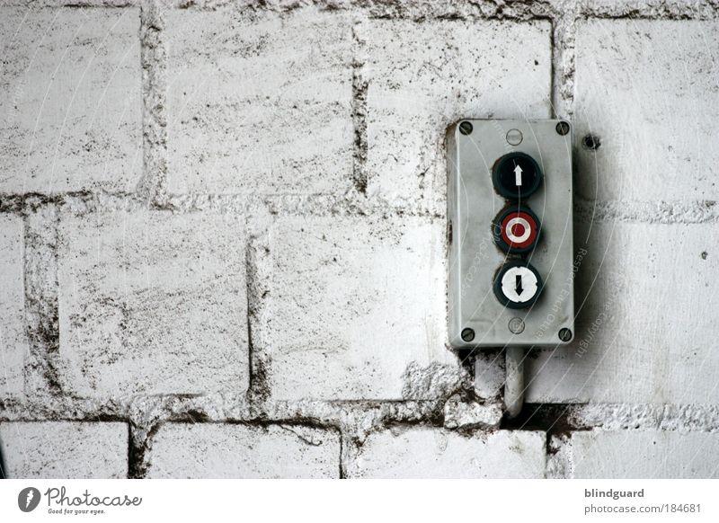 600 Times Up And Down alt weiß rot schwarz Bewegung grau Stein Mauer Metall Beton Industrie Kreis Energiewirtschaft Elektrizität Technik & Technologie Kabel