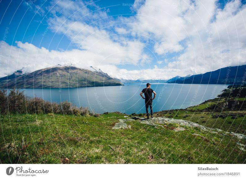 Um Queenstown Natur Ferien & Urlaub & Reisen Jugendliche Pflanze Junger Mann Landschaft Wolken Freude Ferne 18-30 Jahre Berge u. Gebirge Erwachsene Umwelt Leben
