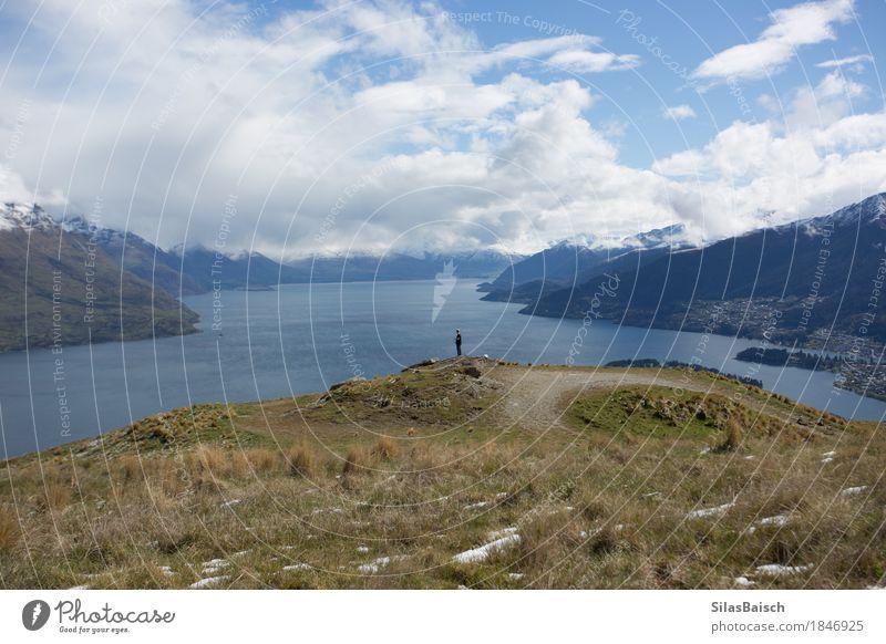 Mensch Natur Ferien & Urlaub & Reisen Landschaft Einsamkeit Wolken Freude Ferne Berge u. Gebirge Lifestyle Freiheit See Felsen Tourismus Ausflug wandern