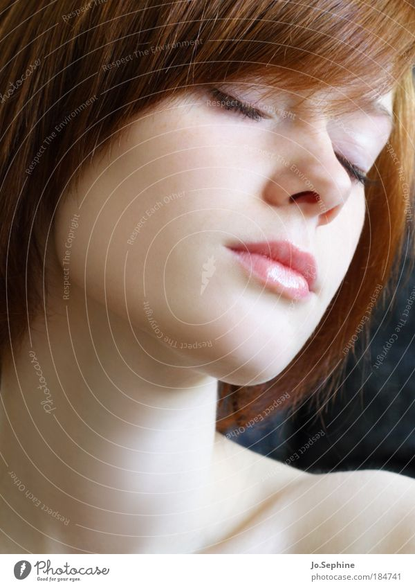 So feel good schön Kosmetik Wohlgefühl Sinnesorgane Meditation feminin Junge Frau Jugendliche Kopf Gesicht 1 Mensch 18-30 Jahre Erwachsene rothaarig Erholung