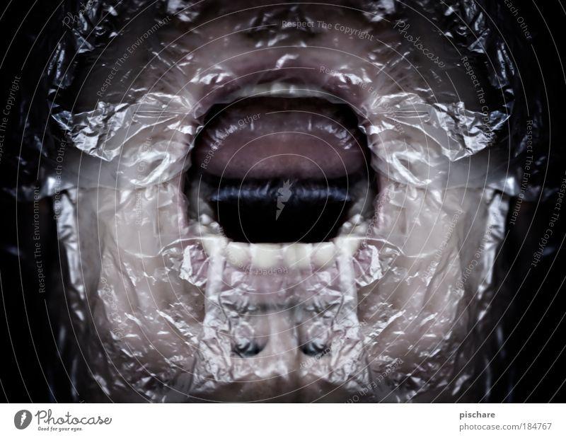 Atemnot Farbfoto Innenaufnahme Kunstlicht maskulin Gesicht Mund Zähne Plastiktüte atmen schreien Aggression bedrohlich dunkel gruselig verrückt Gefühle Angst