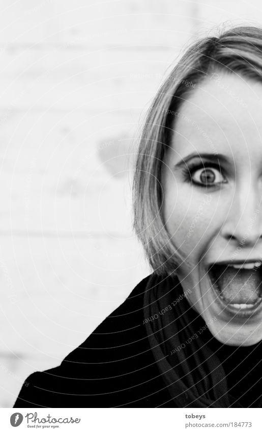 Scream! Jugendliche Erwachsene Junge Frau Tod feminin Gefühle 18-30 Jahre Angst Frau gefährlich bedrohlich Student Todesangst gruselig skurril schreien