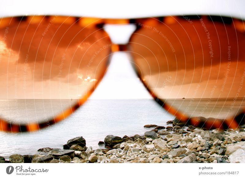 die welt sehen.anders. Himmel Natur Wasser Sonne Sommer Strand Ferien & Urlaub & Reisen Meer Ferne Freiheit Landschaft Umwelt Küste Wellen Erde Horizont