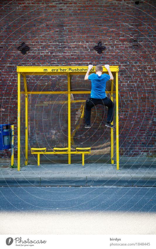 Zeitvertreib Mensch Jugendliche Junger Mann Freude 18-30 Jahre Erwachsene Straße Wand Leben Sport Spielen Mauer maskulin frisch Fitness T-Shirt