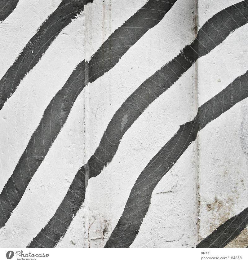 Freihand Design Mauer Wand Fassade Linie Streifen schwarz weiß Grafik u. Illustration graphisch Schwarzweißfoto Außenaufnahme Nahaufnahme Detailaufnahme