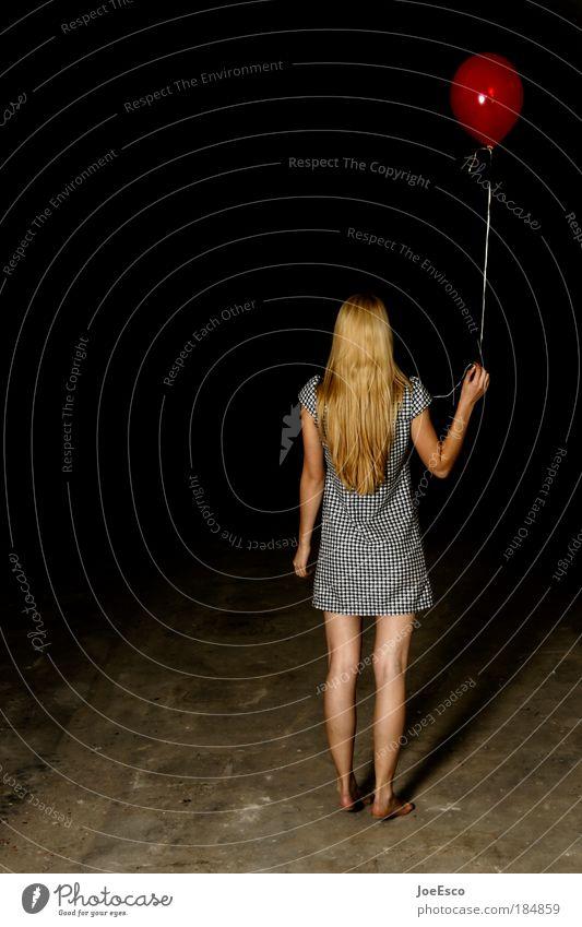 let's go get lost Frau Mensch Jugendliche schön Freude dunkel feminin Spielen Freiheit Stil Haare & Frisuren träumen Erwachsene Feste & Feiern blond warten