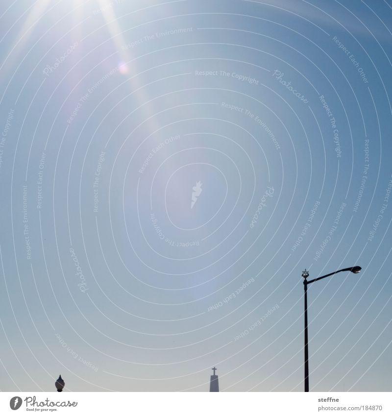 Sonnenanbeter Himmel Sommer Wärme Hoffnung Kreuz Laterne Schönes Wetter Wahrzeichen Sehenswürdigkeit Hauptstadt Rettung himmlisch Portugal Lissabon Laternenpfahl Kultur