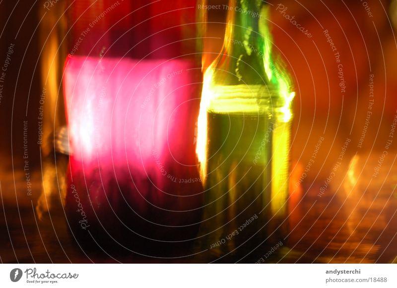 Mehr Bunt Nacht dunkel Langzeitbelichtung mehrfarbig Kerzenschein Flasche Abend Farbe