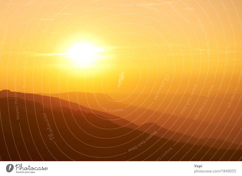 Schöner Sonnenuntergang in den Bergen Ferien & Urlaub & Reisen Sommer Berge u. Gebirge Umwelt Natur Landschaft Himmel Wolken Horizont Sonnenaufgang Sonnenlicht