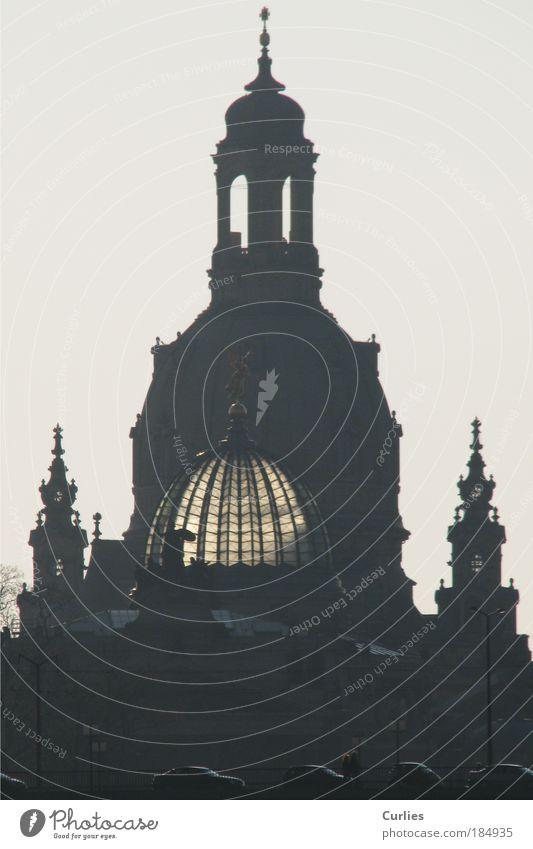 Frauenkirche im November schön Ferien & Urlaub & Reisen Straße grau PKW hoch München groß Kirche Europa Kultur Bauwerk Dresden Sachsen entdecken Denkmal