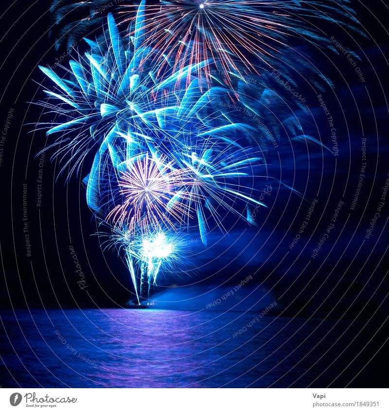 Himmel blau Weihnachten & Advent Farbe Wasser weiß rot Freude dunkel schwarz gelb Feste & Feiern Party See rosa hell