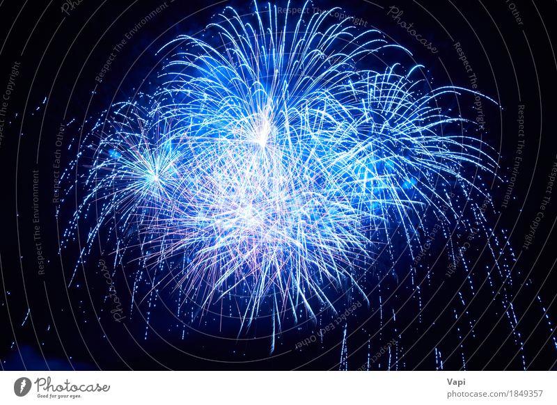 Blaues buntes Feuerwerk Himmel blau Weihnachten & Advent Farbe schön weiß rot Freude dunkel schwarz Kunst Glück Feste & Feiern Party rosa hell