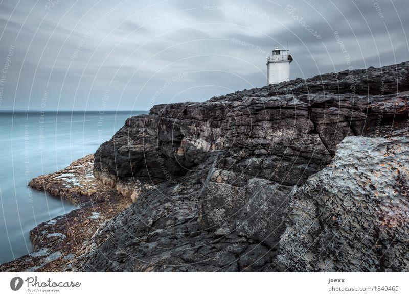 Pan-pan Landschaft Himmel Wolken Horizont Felsen Küste Republik Irland Turm Leuchtturm trist blau braun grau weiß ruhig Sicherheit Farbfoto Gedeckte Farben