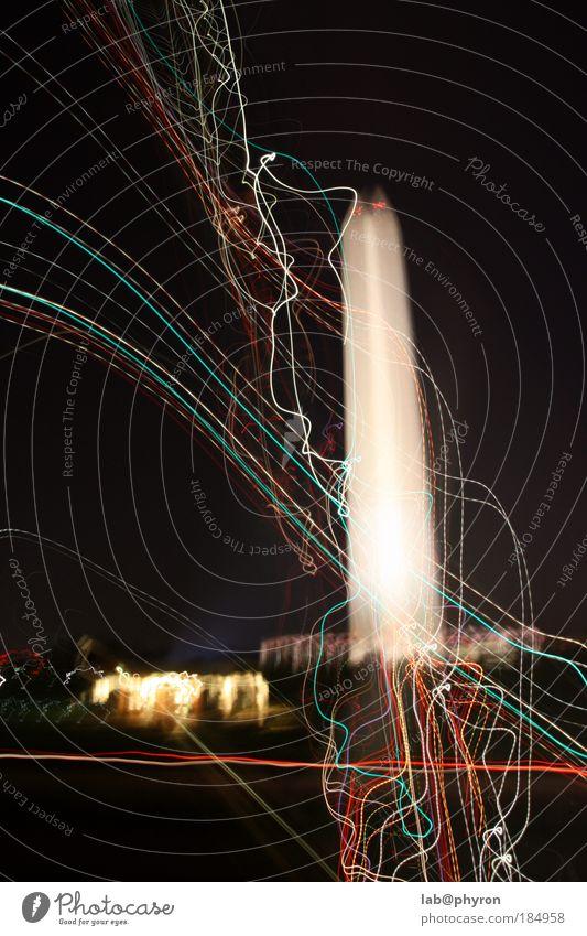 Washington Monument @ night Washington DC USA Hauptstadt Menschenleer Turm Bauwerk Gebäude Sehenswürdigkeit Wahrzeichen Denkmal Bewegung innovativ Farbfoto
