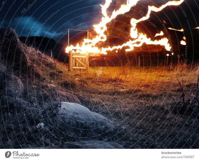 and fire in the sky Himmel Blume blau Pflanze Haus gelb Wiese Berge u. Gebirge Stein Wärme Landschaft wandern Brand Holz Felsen Feuer
