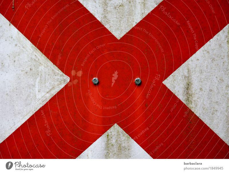 Orientierung | X Zeichen Schilder & Markierungen Hinweisschild Warnschild Verkehrszeichen Buchstaben leuchten rot weiß Ordnung Sicherheit Farbfoto Außenaufnahme