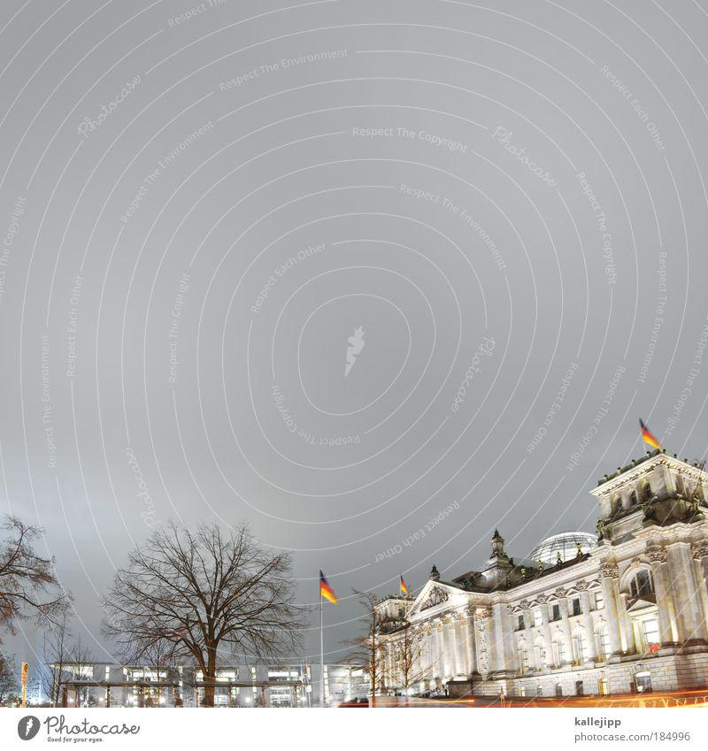 die merkelshow Baum Winter Berlin Herbst Architektur Deutschland Macht Fahne Bildung Eingang Wahrzeichen Wirtschaft Säule Sehenswürdigkeit Politik & Staat