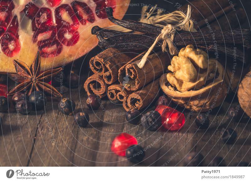 Gwürze, Nüsse und Granatapfel Weihnachten & Advent rot Lebensmittel Feste & Feiern braun Stimmung Frucht Ernährung süß Kräuter & Gewürze lecker Duft Beeren