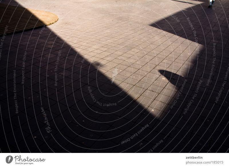 Admiral Hof Terrasse Innenhof Pflastersteine Bodenplatten Plattenbau Bodenbelag fußbodenleger Fliesen u. Kacheln fußbodenfliesen Fuge Baustelle Licht Schatten